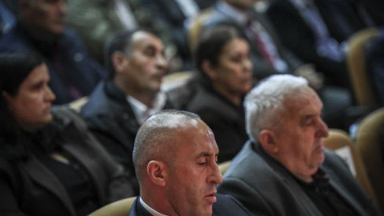 Haradinaj për dëshmorët: Jeni udhërrëfyes brezash