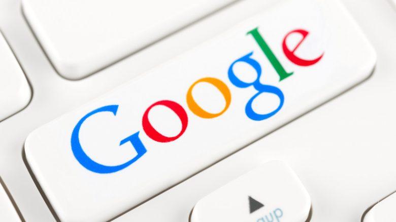 Ja kush shfaqet si imazhi kryesor në Google nëse shkruani 'idiot'