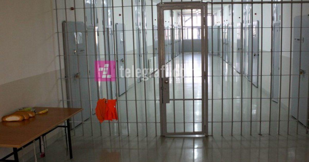 Arratisen dy të burgosur nga Burgu i Smrekonicës