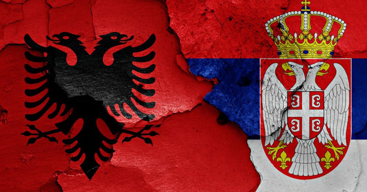 Si po lidhin kurorë vajzat shqiptare me serbët! (Video)