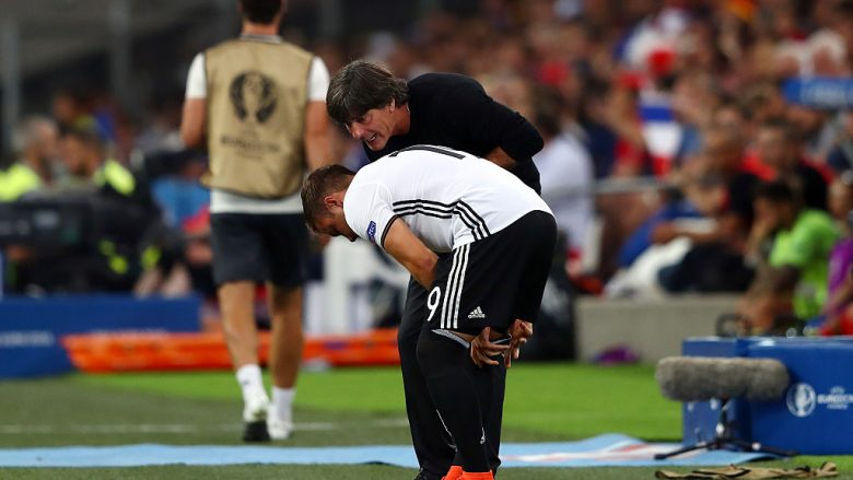 MARSEILLE, FRANCE - JULY 07:  Joachim Loew head coach of Germany instructs Mario Goetze before the substitution during the UEFA EURO semi final match between Germany and France at Stade Velodrome on July 7, 2016 in Marseille, France.  (Photo by Lars Baron/Getty Images)