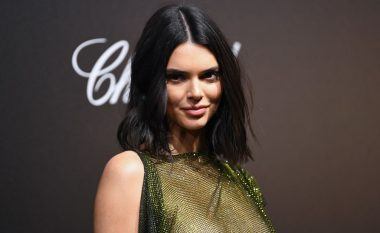 Kendall Jenner shfaqet pa reçipeta, ekspozon tërësisht gjoksin në Festivalin e Kanës