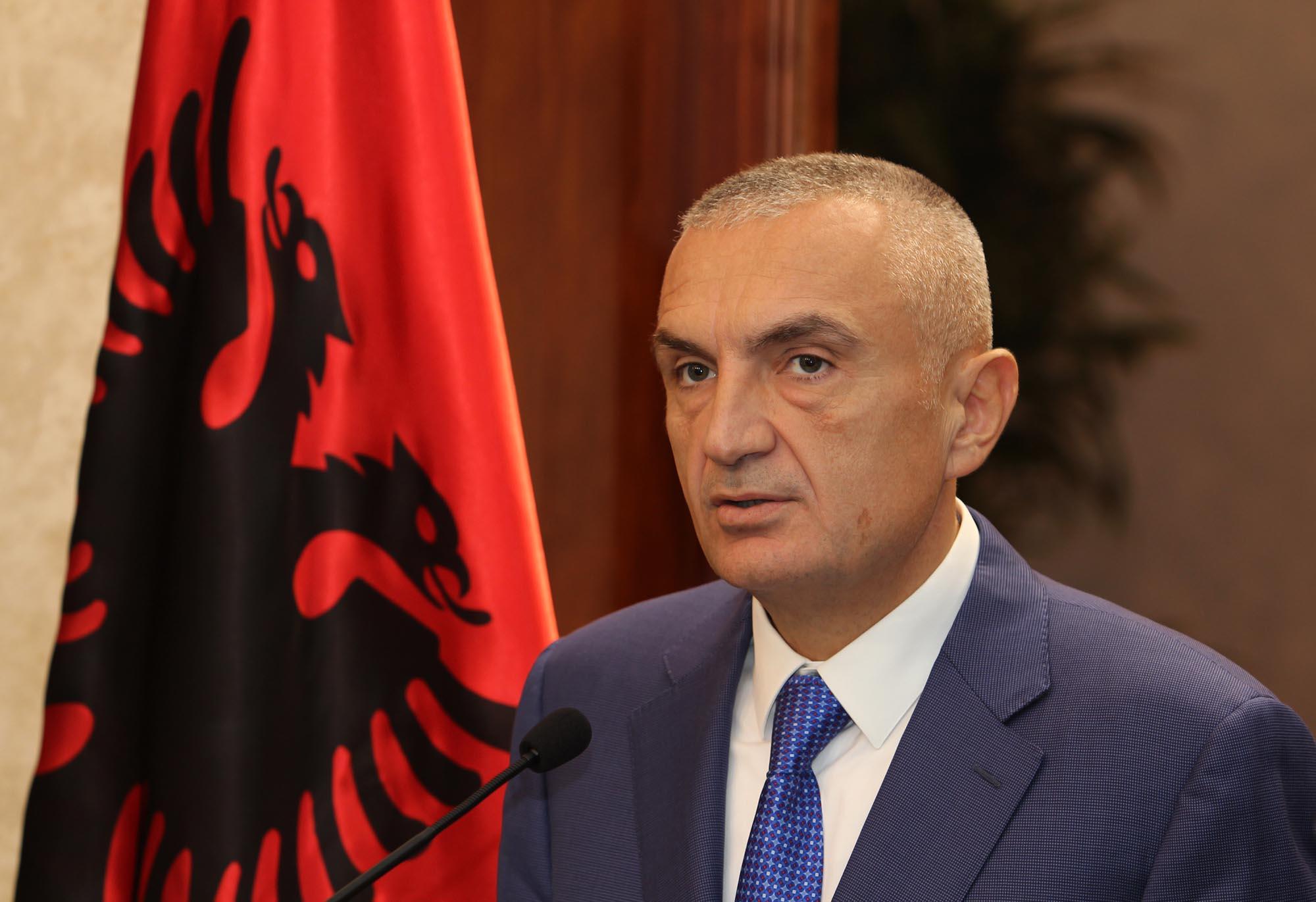Presidenti Meta: Kosova dha shembullin e shkëlqyer të solidaritetit dhe vëllazërisë