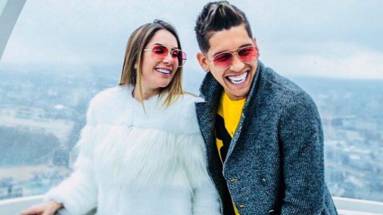 Firmino shkëmben puthje dhe argëtohet me gruan në një jaht luksoz në Ibiza