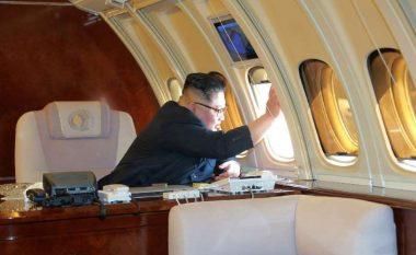 Kim Jong-un udhëtoi për herë të parë me këtë aeroplan në Kinë - ekspertët dyshojnë nëse ai është i aftë ta dërgojë më larg liderin koreanoverior! (Foto)