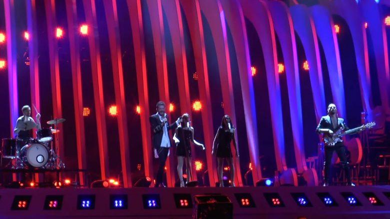 """Përfundon suksesshëm performancën Eugent Bushpepa, """"Mall"""" këndohet në shqip në """"Eurovision 2018"""""""