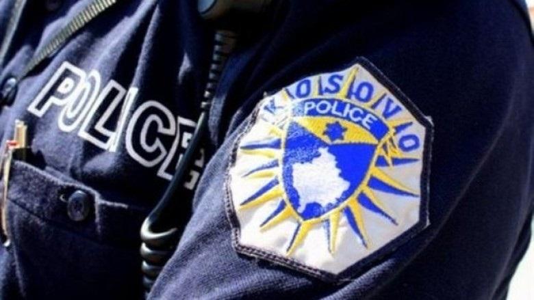 I dyshuari sulmon policin dhe ikë nga vendi i ngjarjes
