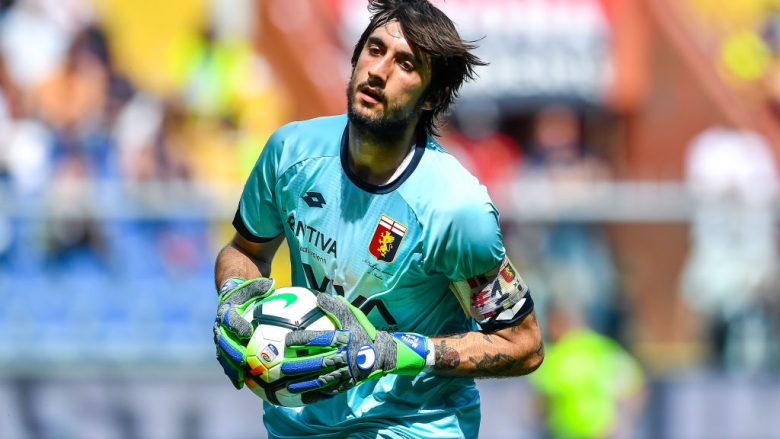 GENOA, ITALY - MAY 20: Mattia Perin of Genoa during the serie A match between Genoa CFC and Torino FC at Stadio Luigi Ferraris on May 20, 2018 in Genoa, Italy.  (Photo by Paolo Rattini/Getty Images)