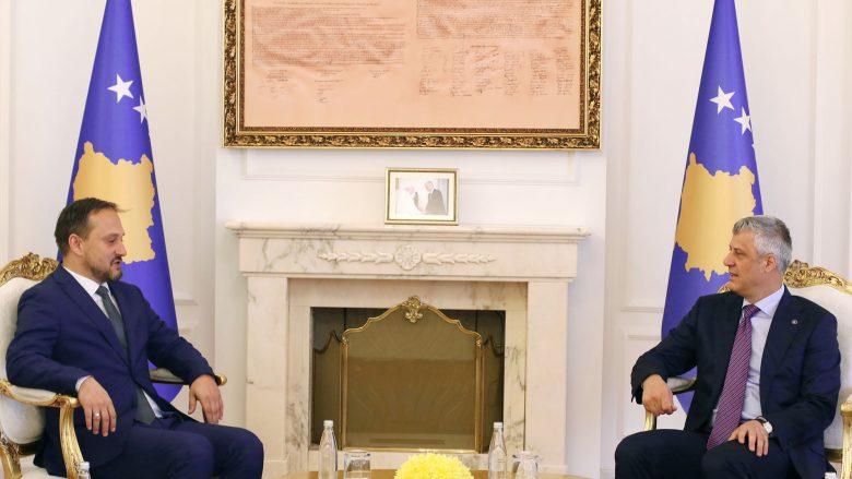 Thaçi dhe Strashevski flasin për raportet fqinjësore Kosovë-Maqedoni
