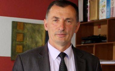 Selmanaj i reagon Janjiçit: Zhvillimi i komunës është interes i Manastirit