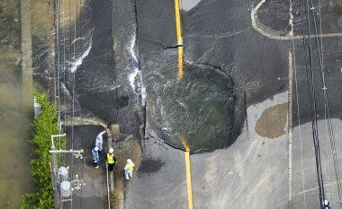 Kamerat e sigurisë filmojnë momentin rrëqethës kur tërmeti në Japoni dridh gjithçka (Video)