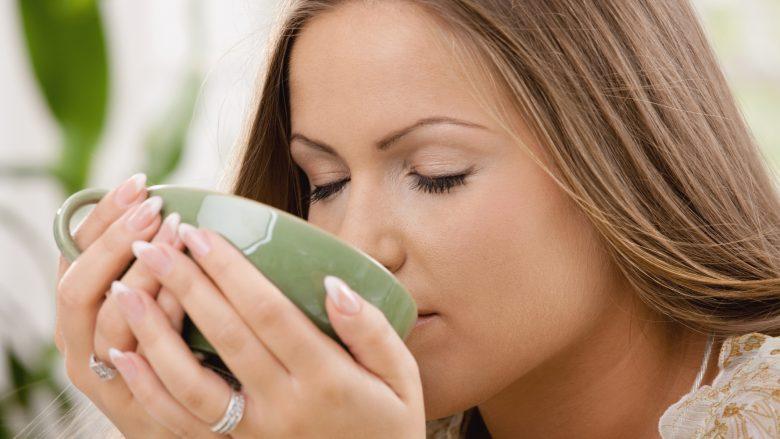Çaji i cili eliminon centimetrat nga beli