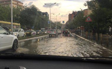 Vërshimet në kryeqytet, Abrashi kritikon Shpend Ahmetin