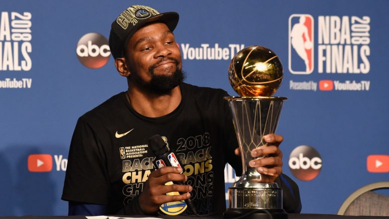 CLEVELAND, OH - JUNE 08:  Finals MVP Kevin Durant #35 of the Golden State Warriors speaks to the media after defeating the Cleveland Cavaliers during Game Four of the 2018 NBA Finals at Quicken Loans Arena on June 8, 2018 in Cleveland, Ohio. The Warriors defeated the Cavaliers 108-85 to win the 2018 NBA Finals.  NOTE TO USER: User expressly acknowledges and agrees that, by downloading and or using this photograph, User is consenting to the terms and conditions of the Getty Images License Agreement.  (Photo by Jason Miller/Getty Images)