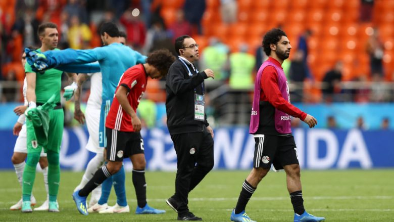 YEKATERINBURG, RUSSIA - JUNE 15:  Mohamed Salah of Egypt walks off the pitch dejected after the 2018 FIFA World Cup Russia group A match between Egypt and Uruguay at Ekaterinburg Arena on June 15, 2018 in Yekaterinburg, Russia.  (Photo by Ryan Pierse/Getty Images)