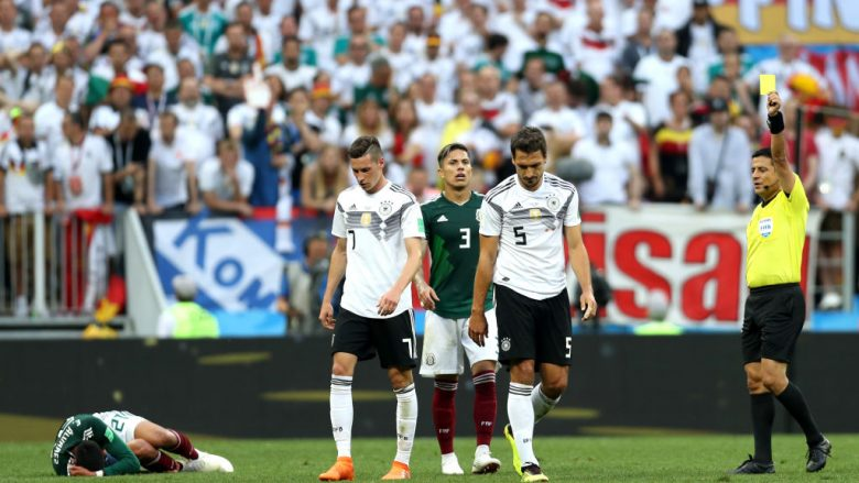 Kriza në kampin gjerman – debate mes lojtarëve e trajnerit dhe një psikolog i angazhuar enkas për situatën!