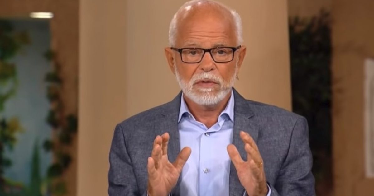 """Ky njeri thotë se ka një informacion nga Perëndia: Donald Trump u zgjodh për të """"vonuar"""" fundin e botës (Video)"""