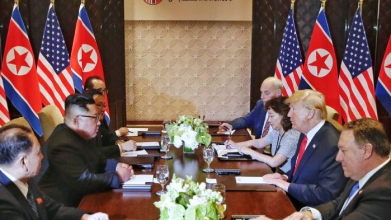 Dy njerëz të rëndësishëm në takimet Trump-Kim: Për ta nuk është folur, por një fjalë e gabuar e tyre mund të kushtonte shumë! (Foto)