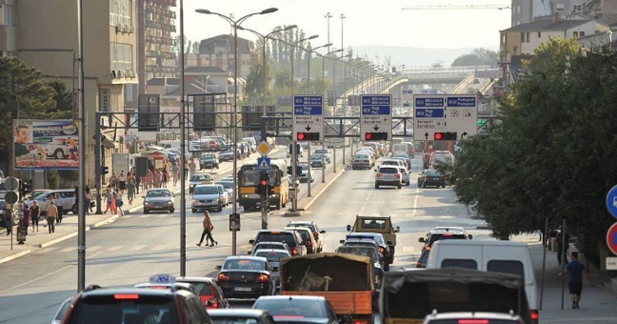 Kundërshtohet iniciativa për heqjen e kufizimit për importin e veturave të vjetra