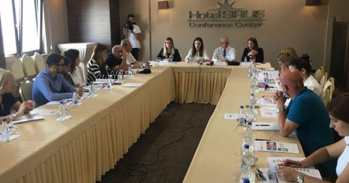 INPO: 45 përqind e qytetarëve të pakënaqur me gjendjen nëpër rrugët e Prishtinës