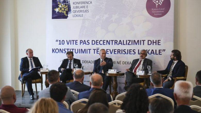 Haradinaj: Qeveria e angazhuar për rritjen e efikasitetit të punës nëpër komuna