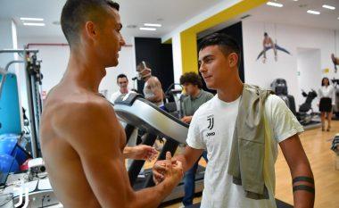 Ronaldo mban stërvitjen e parë si futbollist i Juventusit, kthehen nga pushimi edhe yjet e tjerë të mëdha