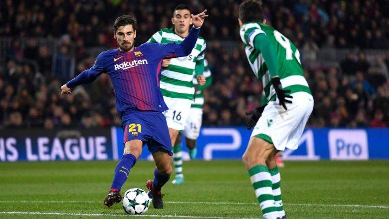 BARCELONA, SPAIN - DECEMBER 05: Andre Gomes of Barcelona controls the ball during the UEFA Champions League group D match between FC Barcelona and Sporting CP at Camp Nou on December 5, 2017 in Barcelona, Spain.  (Photo by Alex Caparros/Getty Images)