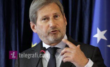 Hahn kërkon heqjen e taksës, paralajmëron vizitë gjatë qershorit në Prishtinë e Beograd