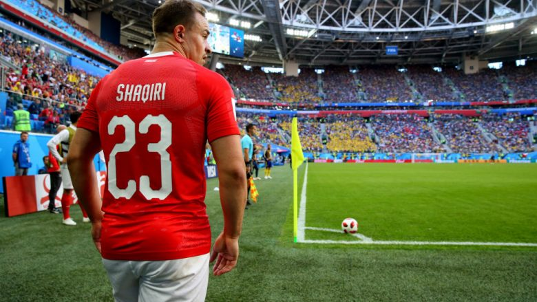 SAINT PETERSBURG, RUSSIA - JULY 03:  Xherdan Shaqiri of Switzerland takes a corner kick during the 2018 FIFA World Cup Russia Round of 16 match between Sweden and Switzerland at Saint Petersburg Stadium on July 3, 2018 in Saint Petersburg, Russia.  (Photo by Alex Livesey/Getty Images)