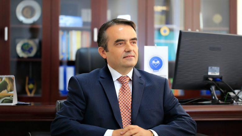 Vetura dhe paratë e gatshme të rektorit të Universitetit të Mitrovicës