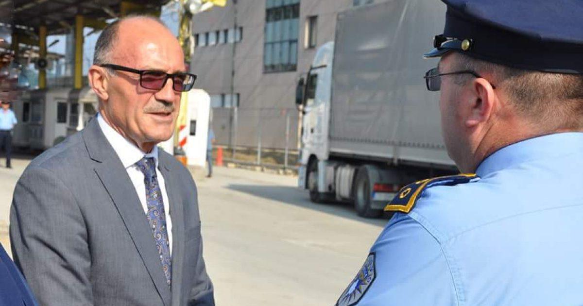 Ministri zbaton urdhrin e kryeministrit, kërkon nga Policia të aplikojë masa lehtësuese në pikat kufitare