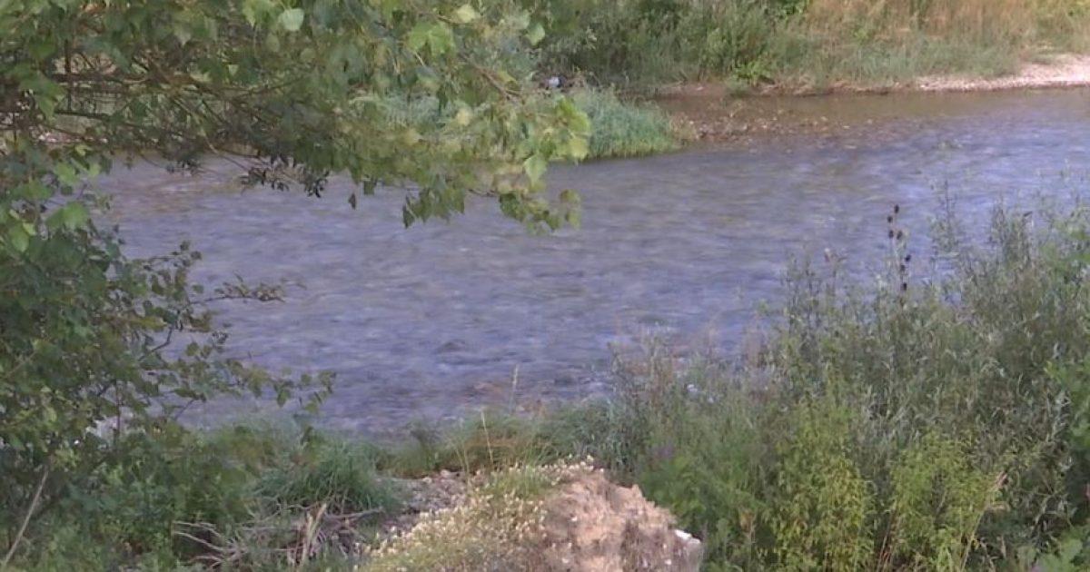 Ankohen banorët e fshatrave të Istogut: Drini i Bardhë po na shkatërron tokat bujqësore (Video)