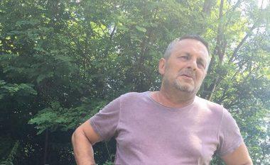 Flet babai i të riut llapjan, që erdhi nga Austria dhe ia mori jetën vetes në oborr të shtëpisë