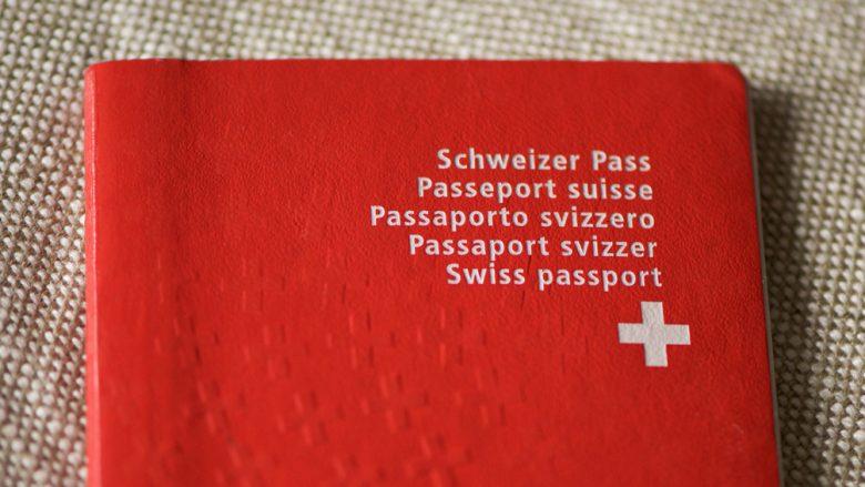 Të rinjtë kosovarë, në vendin e tretë për pasaportë zvicerane