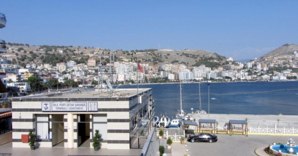 Anija që Sarandës i solli mbi një mijë turistë italianë