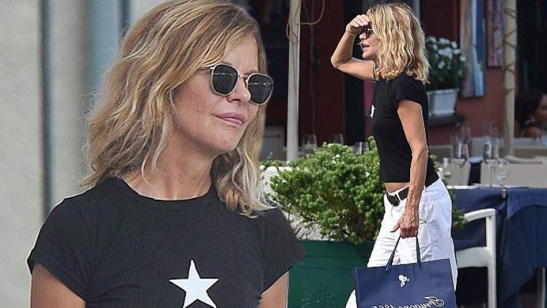 BGUK_1305224 - ** RIGHTS: WORLDWIDE EXCEPT IN ITALY ** portofino, ITALY  - Meg Ryan in Portofino with a friend Pictured: Meg Ryan in Portofino with a friend BACKGRID UK 5 AUGUST 2018  BYLINE MUST READ: Cucu / BACKGRID UK: +44 208 344 2007 / uksales@backgrid.com USA: +1 310 798 9111 / usasales@backgrid.com *UK Clients - Pictures Containing Children Please Pixelate Face Prior To Publication*