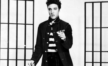 """Teoritë e vdekjes së """"Mbretit"""": Pse shumë njerëz mendojnë se Elvisi është ende gjallë?"""