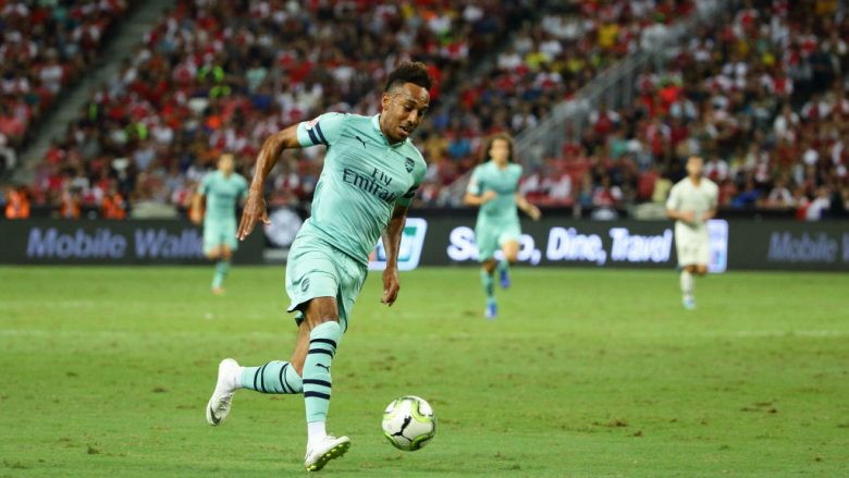 SINGAPORE - JULY 28:  Pierre-Emerick Aubameyang of Arsenal in action during the International Champions Cup match between Arsenal and Paris Saint Germain at the National Stadium on July 28, 2018 in Singapore.  (Photo by Suhaimi Abdullah/Getty Images for ICC)