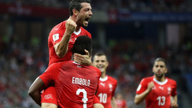 NIZHNIY NOVGOROD, RUSSIA - JUNE 27:  Blerim Dzemaili of Switzerland celebrates with team mates after scoring his teams forst goal during the 2018 FIFA World Cup Russia group E match between Switzerland and Costa Rica at Nizhniy Novgorod Stadium on June 27, 2018 in Nizhniy Novgorod, Russia.  (Photo by Clive Brunskill/Getty Images)