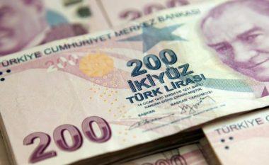"""Lira turke """"ringjallet"""" pas premtimeve të Katarit për investime"""