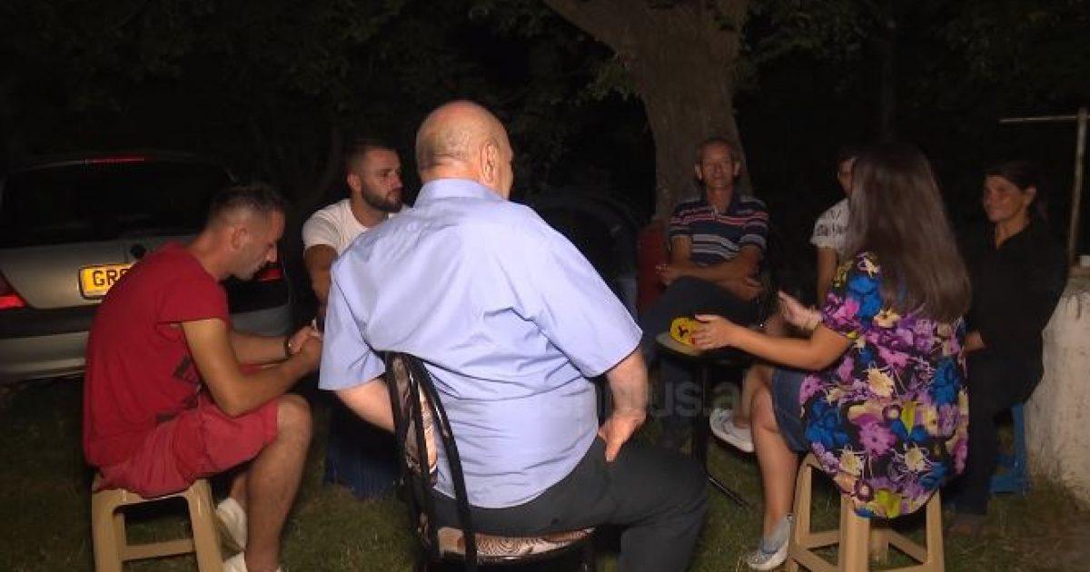 Tërmeti në Burrel, banorët flenë në çadra: Na u tund e gjithë shtëpia (Video)