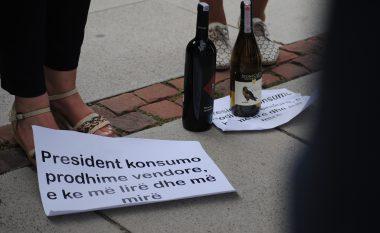 Presidentit i dërgohet një pako me verë të Kosovës