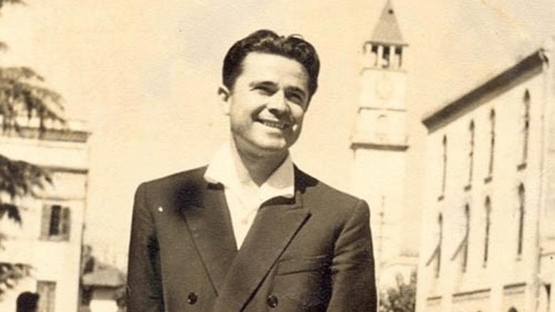 Vdes shkrimtari i njohur, Fatos Arapi