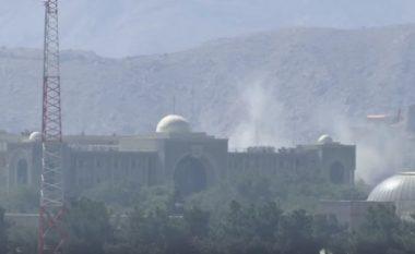 Përgjaket Bajrami në Kabul, sulmohet me raketa pallati presidencial (Video)