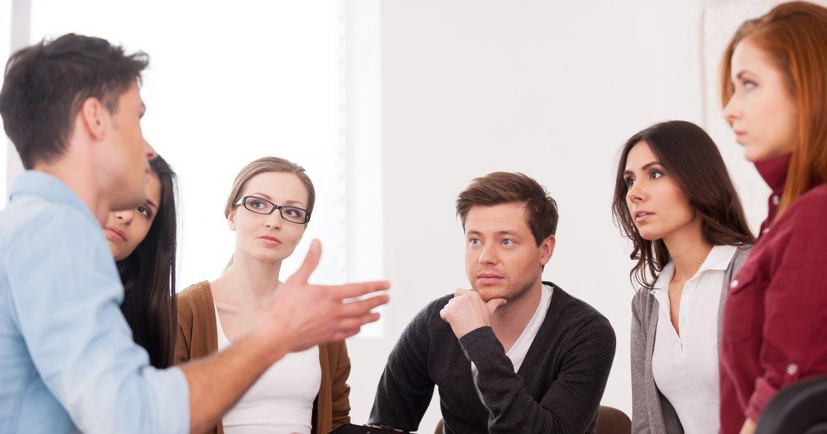 Tri shprehi të çifteve të cilat shoqëria nuk i do