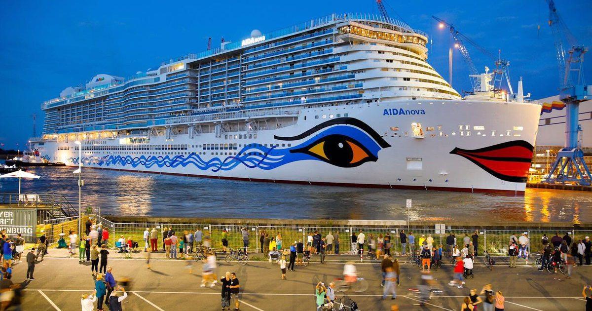 """Del në det """"mbretëresha"""" gjermane, mban 5.200 turistë (Video)"""