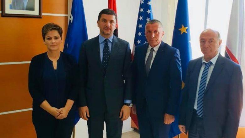 Krasniqi takoi përfaqësuesit e Luginës së Preshevës, flasin për dialogun Kosovë-Serbi