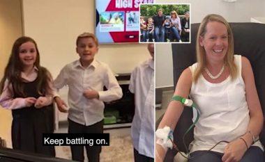 """""""Vazhdo të luftosh"""": Momenti kur fëmijët përshëndeten me nënën e sëmurë, pak orë para se ajo të vdiste (Foto/Video)"""