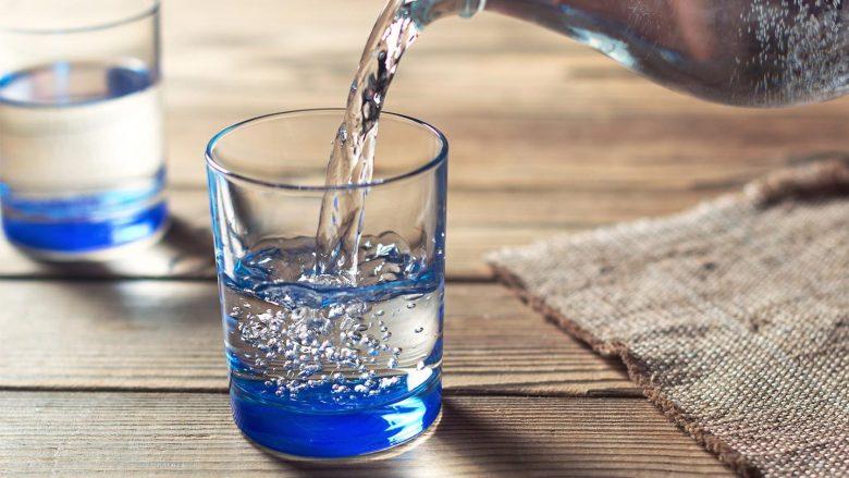 Kush pi pak ujë, rrezikohet nga diabeti!