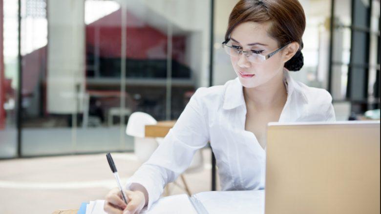 Gjërat që njerëzit e mençur nuk i zbulojnë për veten në vend të punës
